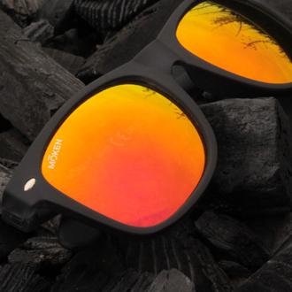 Modele solaire BLACKSALT montures noires avec verres flash oranges